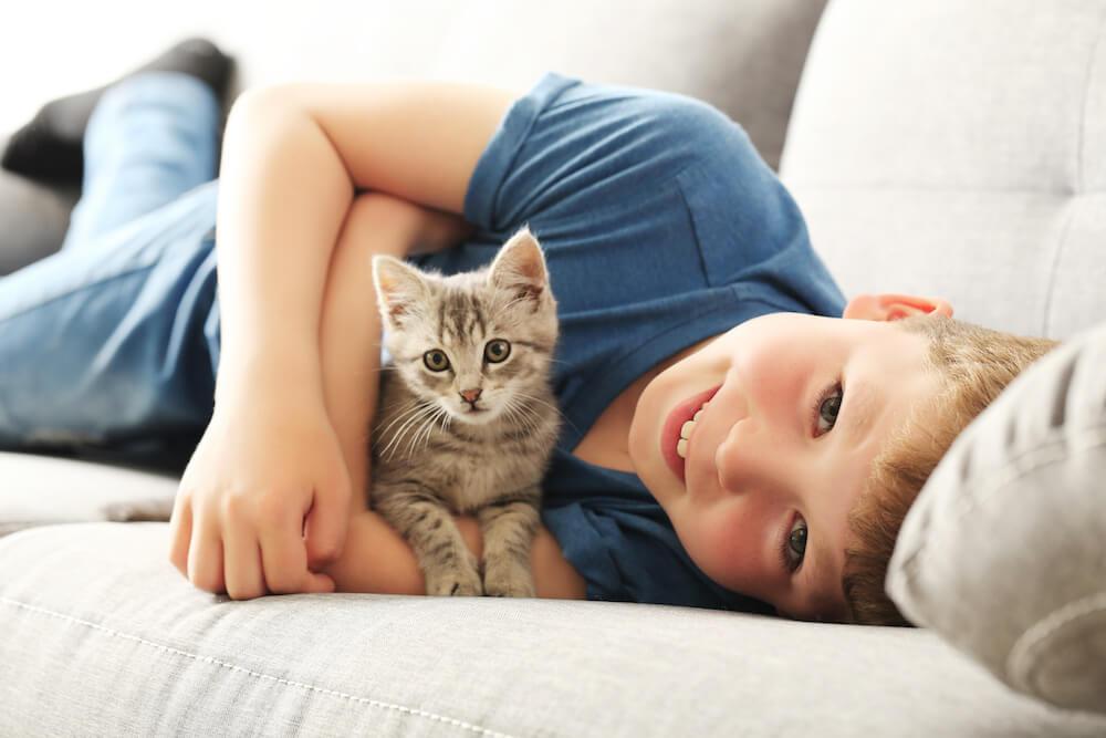 Katze und Kind